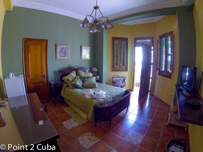 RHPLZC018 3BR Hostal in Vedado