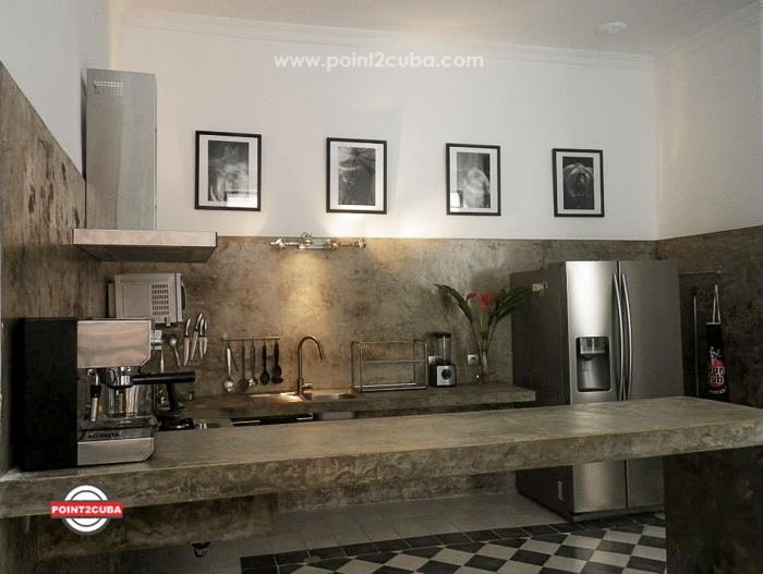 RHHVAL01 2BR Elegant apartment in Old Havana