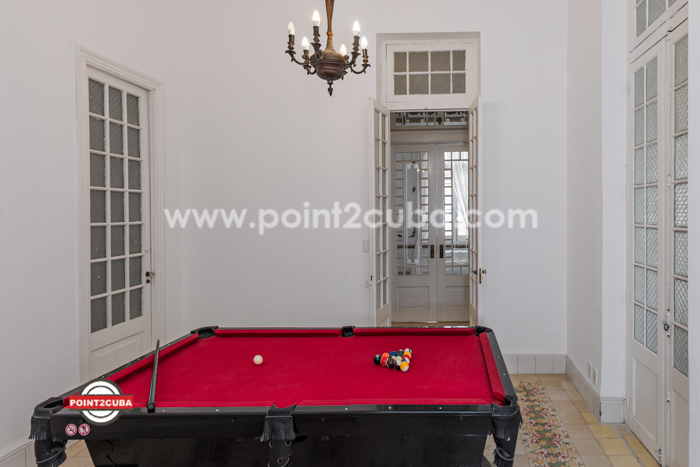 RHPLZLB40 4BR Majestic apartment in Vedado