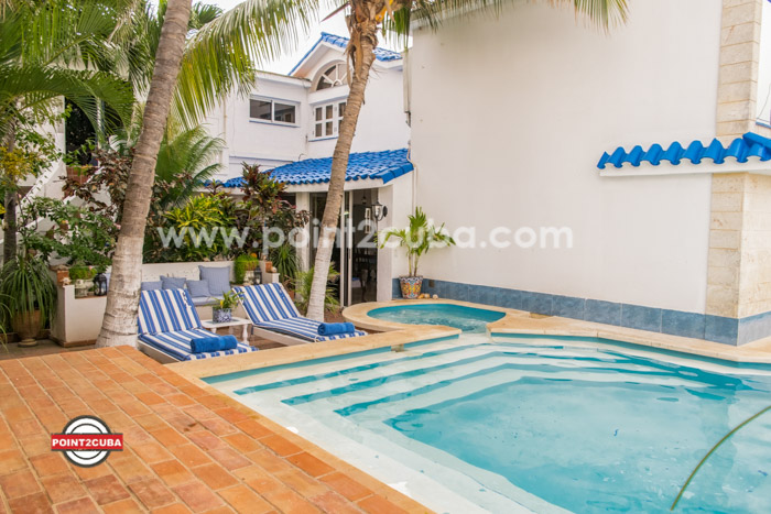 RHPLOF18 3BR Luxurious home with swimming pool in Playa