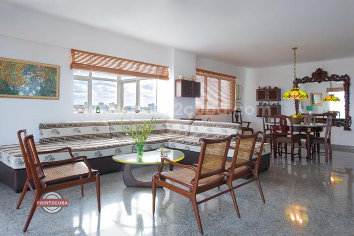 RHPLZOF11-3BR-apartment-forRHPLZOF11-3BR-apartment-for-rent-in havana