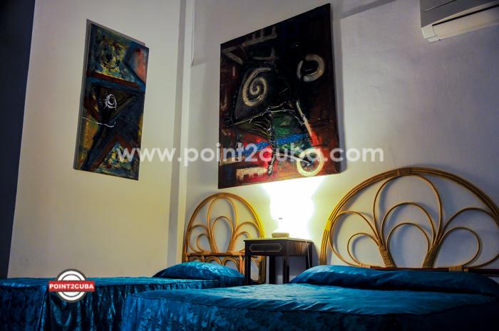 RHHVOF23 3BR Apartment in Old Havana