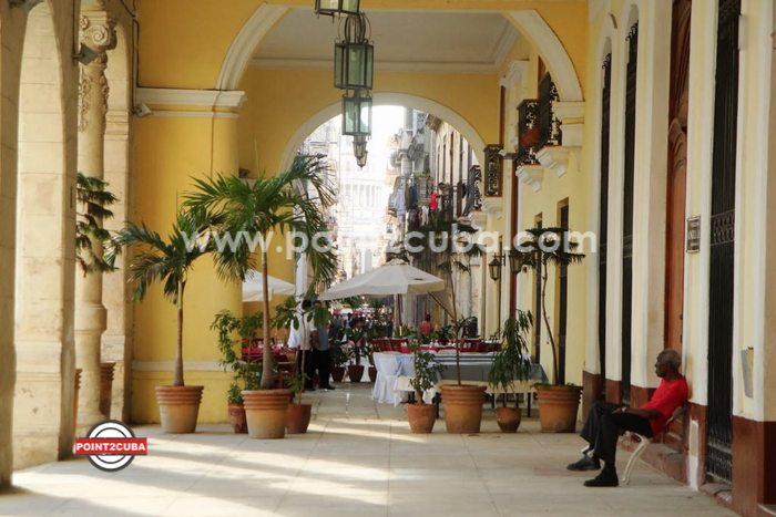 RHHVOF25 2BR/2BT Luxury Apartment LAS MERCEDES-HAVANA