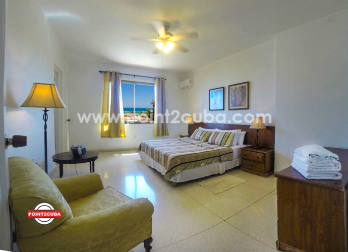 RHPLOF44 4BR/4BT LuxurioRHPLOF44 4BR/4BT Luxurious Penthouse in Miramar