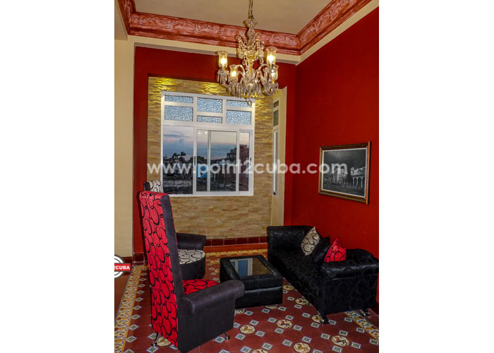 RHHVOF10 3BR Apartment in Old Havana