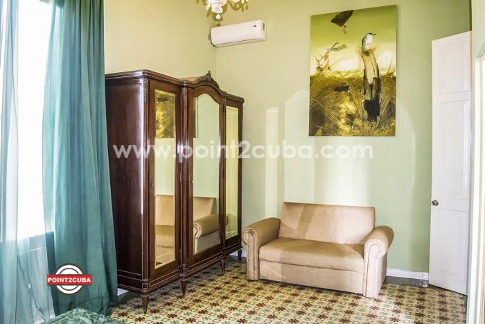 RHPLZOF36 6BR/6BT House in Vedado Casa Nostra