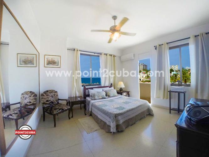 RHPLOF44 4BR/4BT Luxurious Penthouse in Miramar