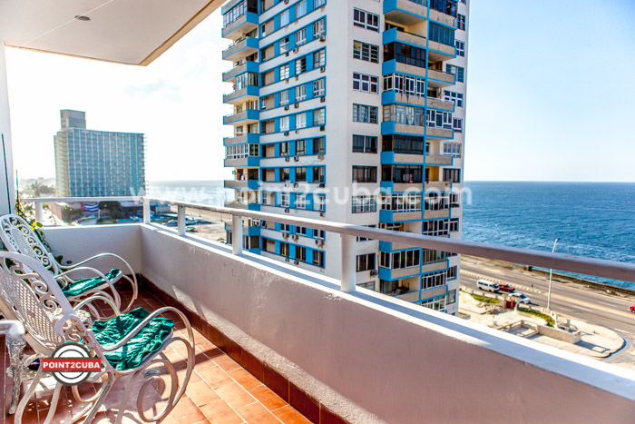 RHPLOF74 2BR Ocean view apartment a front of Malecon
