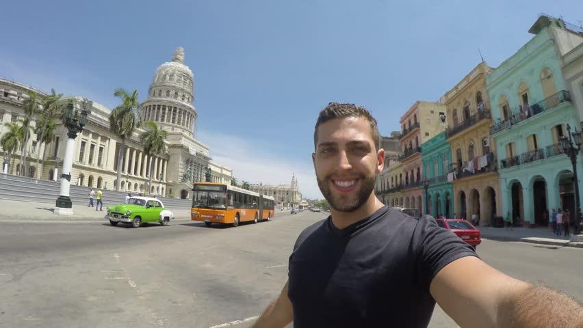 Selfie at Havana´s Capitol.