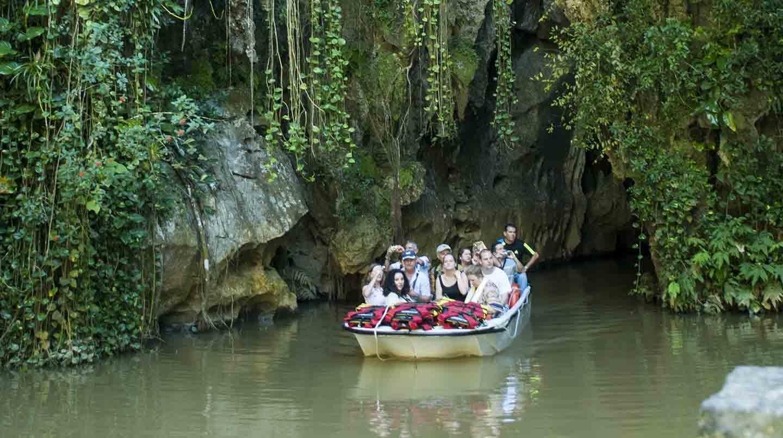 Vinales touring water